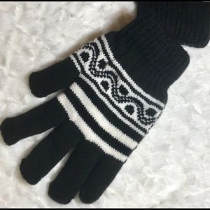 ✅25%off any 3 items. Warm thermal gloves NWT.